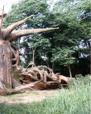 Iya Moopo, Göttin der Frauen-Handwerkskünste und die größte Skulptur von Susanne Wenger