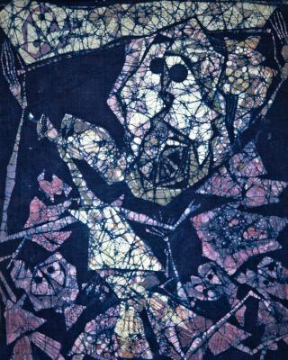 Der blinde Priester Ajagemo, 1989, Wachsbatik / Textilmalerei, 100 x 72 cm