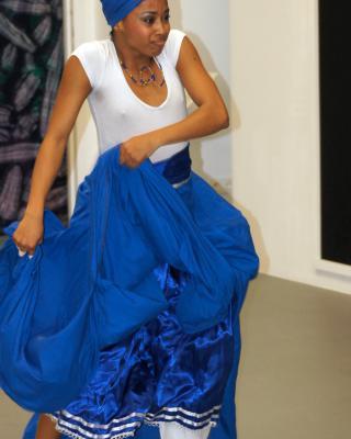 Yusimi Moya Rodriguez tanzt Yemoya, Foto © Helmut Wienerroither
