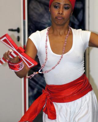 Yusimi Moya Rodriguez tanzt Shango, Foto © Helmut Wienerroither